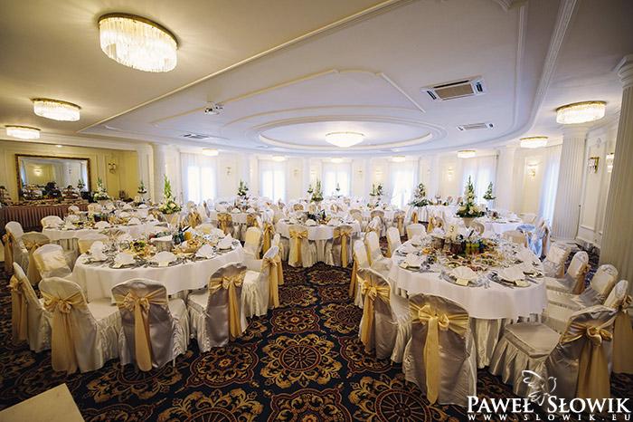 Sala Weselna Łuków Warszawska ~ Pałacyk Otrębusy  Sala weselna Warszawa  Fotograf ślubny, sesja