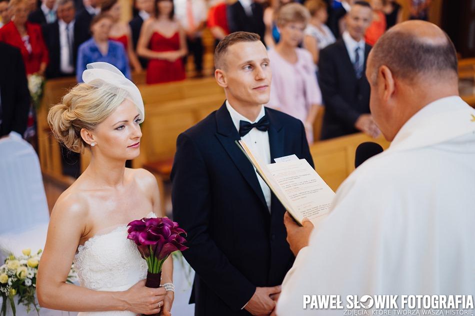 przysięga ślubna przed księdzem