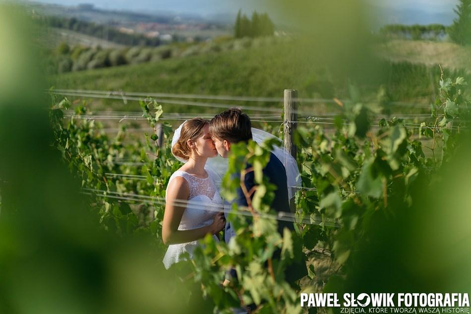 sesja ślubna w winnicy Włochy Toskania