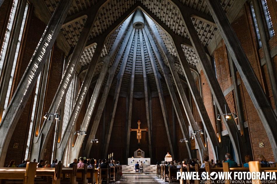 piękny kościół na ślub ceremonię chrzest