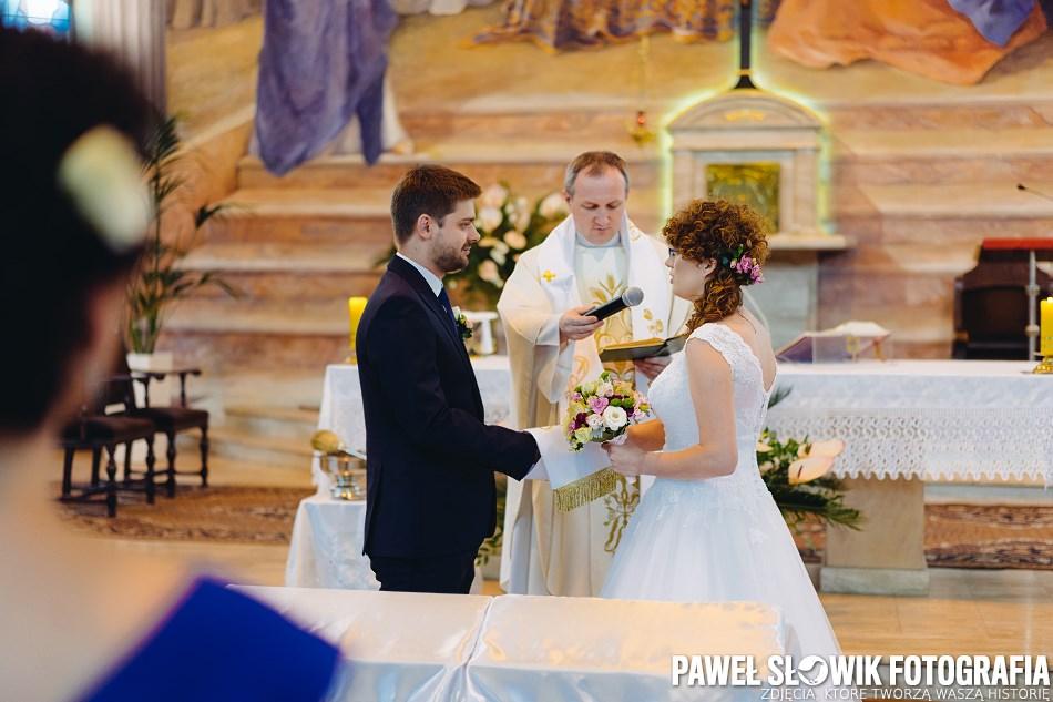 naturalna dokumentacyjna fotografia ślubna Ożarów Mazowiecki