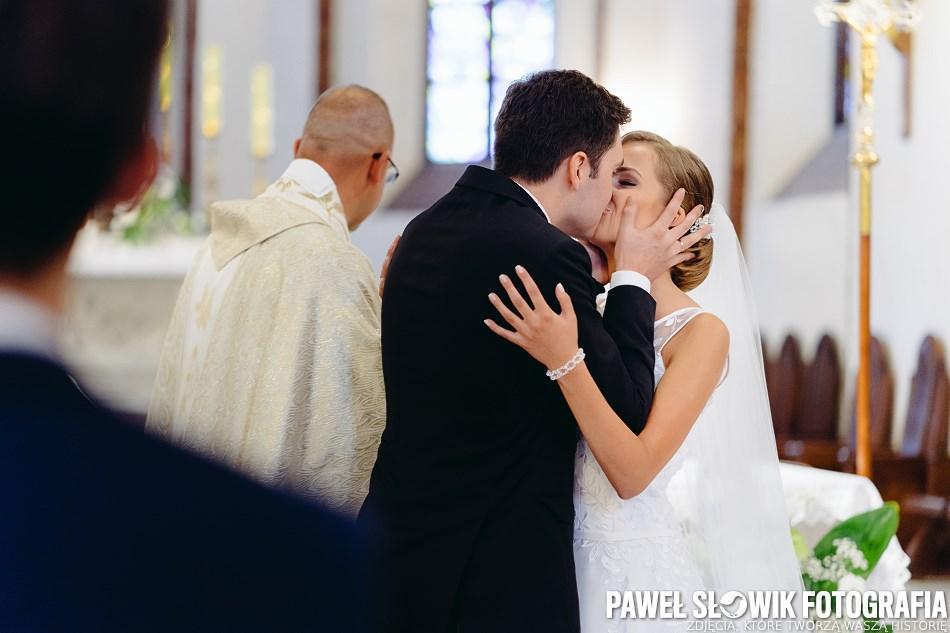 naturalna dokumentacyjna fotografia ślubna Piastów Pruszków