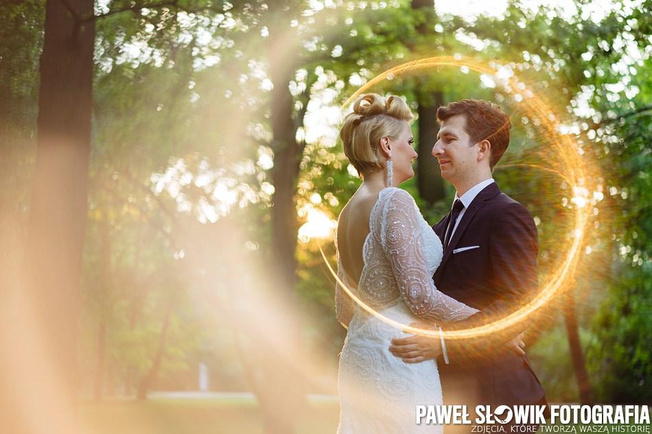 plener ślubny słoneczny pierścień