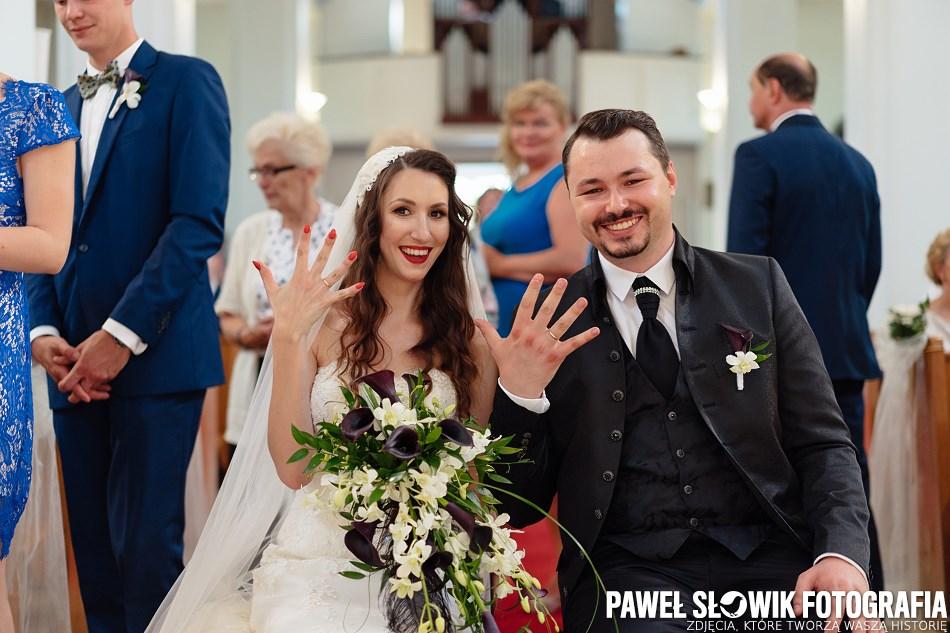 Nowoczesne, pełne emocji zdjęcia ślubne