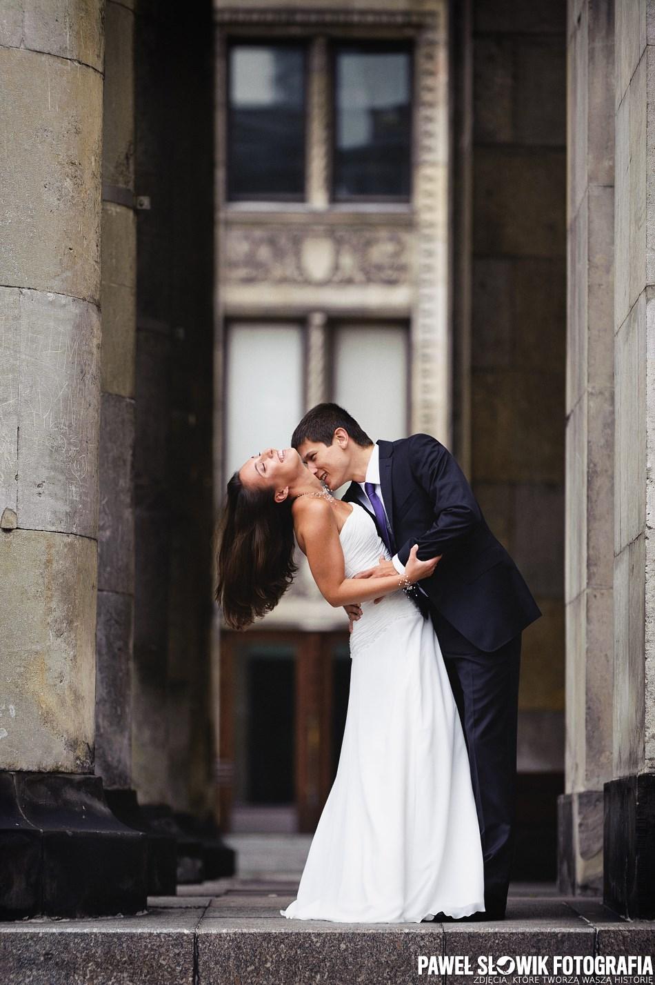 Sesja ślubna pod pałacem kultury