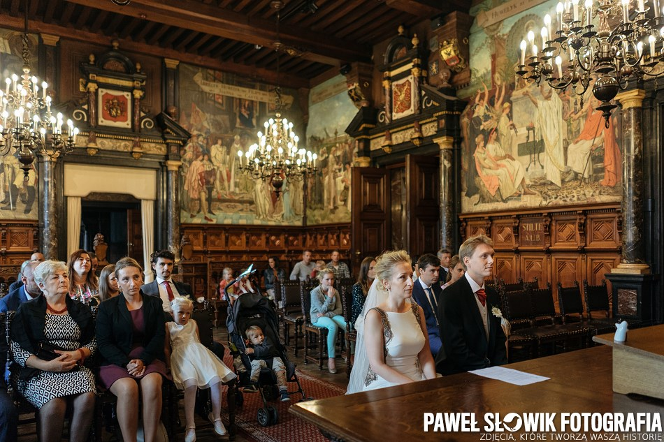 Destination Wedding Photographer Antwerp City Hall