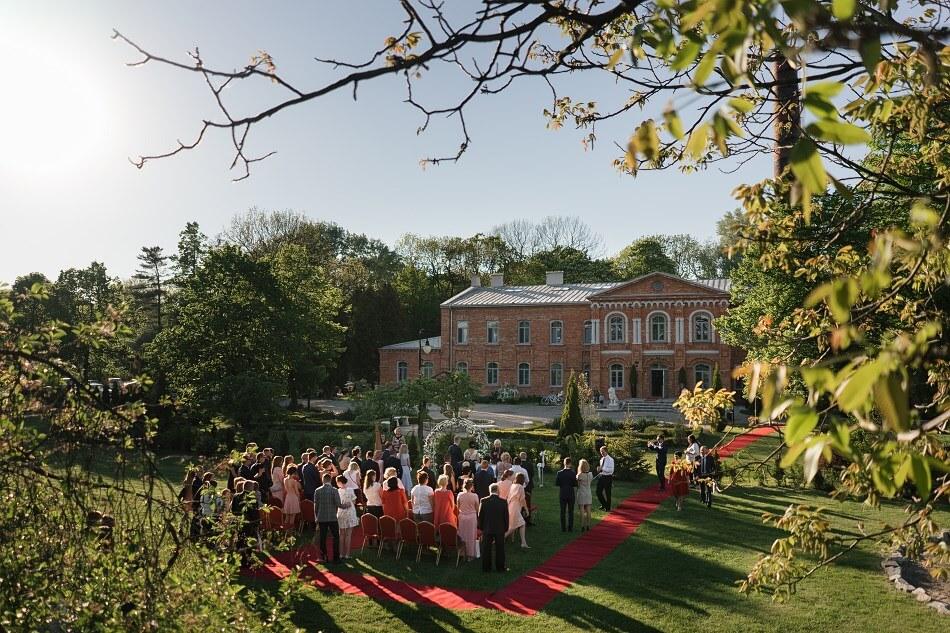 Royal Hotel Modlin Plenerowa ceremonia ślubna Fotograf