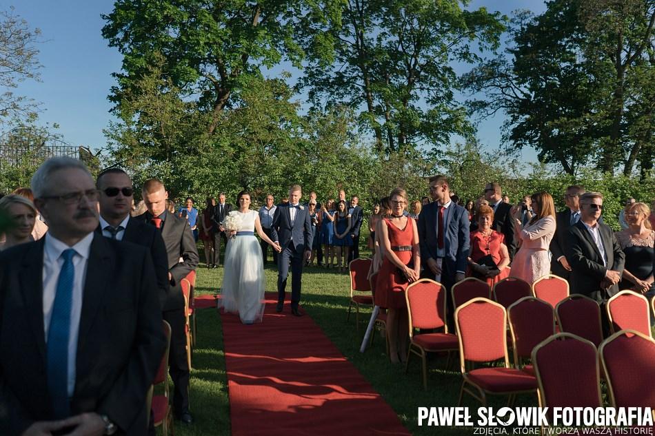 ślub cywilny w plenerze Modlin