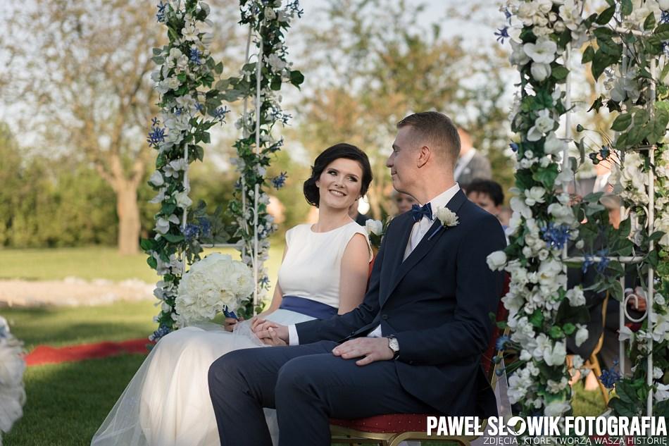 Konsultant Ślubny piękna ceremonia ślubna w plenerze