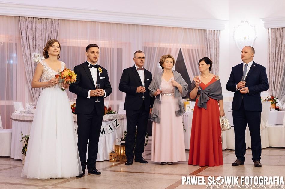 powitanie ślubne na sali weselnej