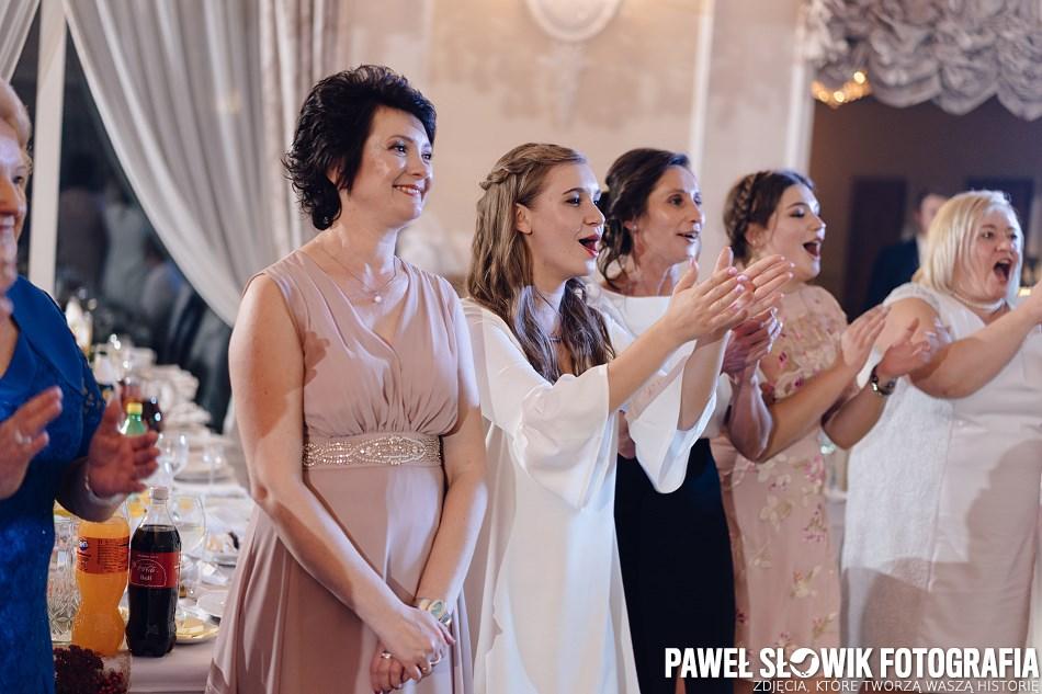 uśmiechy na twarzach fotograf ślubny